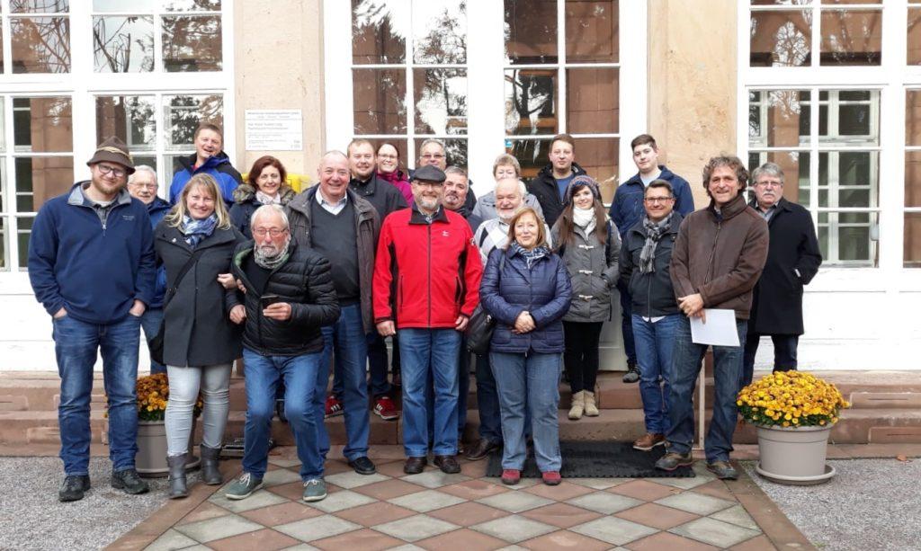 Besucher aus der Partnergemeinde im Klinikpark.