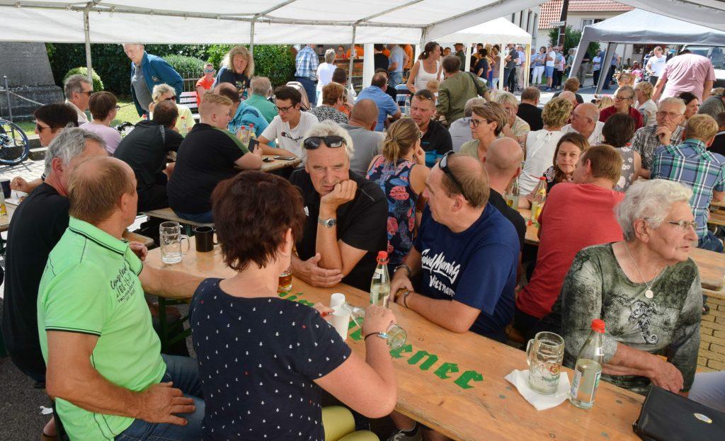 Das Gompertshäuser Backhausfest zog wieder viele Gäste aus nah und fern